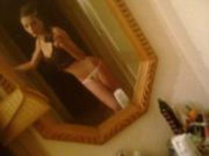 Leonore from  is looking for adult webcam chat