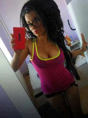 Looking for local cheaters? Take Kristel from Kentucky home with you